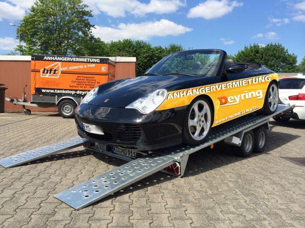 Auto Transporter Sportwagen Beispiel Porsche